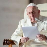 O Papa: quem escolhe Cristo não recorre ao mago, a magia não é cristã
